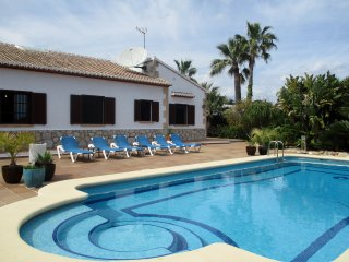 Villa sleeping upto 10 close to Javea / Moraira beaches, great for families.