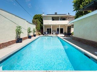 Pristine & Private large 5b4bath, Private Pool Chef's Kitchen 3m to Venice Beach