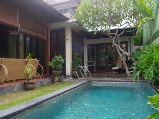 Villa Suma, 2 BDR cheap pool villa in Seminyak