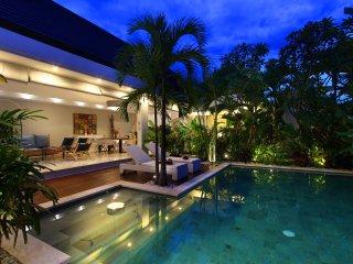 #KG5 Beach 500m Central Seminyak Villa