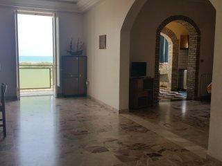 Casa Vacanze Antona a Licata, 150 m dal mare,  WiFi Free, Miglior prezzo!