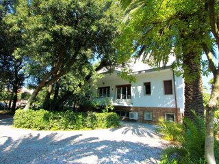 In villa Seristori, 50 m dalla spiaggia - 16 posti letto