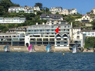 SEA FRONT VILLA SALCOMBE