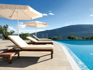 Modern and Luxury Apartment/ Acacia Hill/ Kotor Bay Stunning View/ Infinity Pool, Denovici