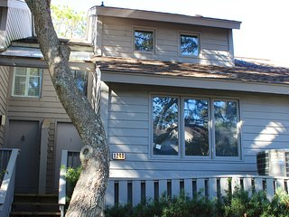 1240 Creekwatch Villa