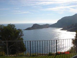 Lujoso apartamento a pie de mar dentro del complejo Cap sa Sal (con piscina)