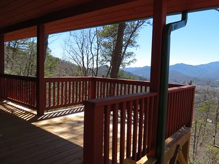 Roses Cabin, Amazing views, with peaks over 5000ft.