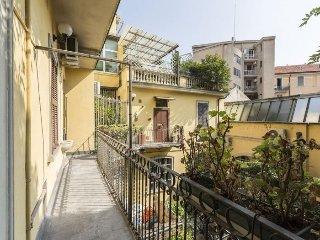 Porta Romana Bright apartment in Porta Romana {#h…