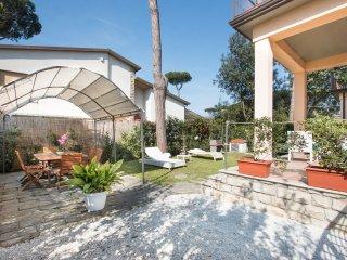Villa Bianca,relax a 500 m dal mare, Lido Di Camaiore