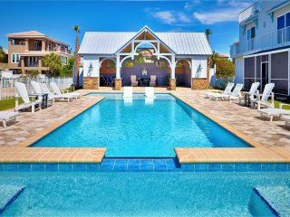 Stones Throw: Brand New Luxury Gulf View, Private Pool/Over Flow Spa!