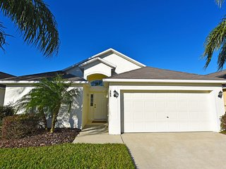 Cute 4BR 3Bath home with private pool, semiprivate view & game room from $115/nt, Orlando