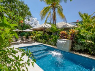 J5 Luxury 1 BDRM Villa w/Incredible Garden