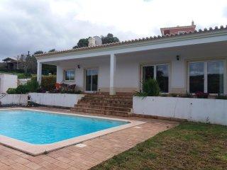 V3 Alcalar 192 - 3 bed villa w/private pool in quiet area ideal for family, Mexilhoeira Grande