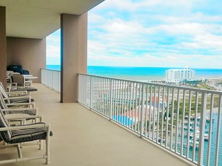 Gulf & Bay views budget friendly for 8 people.