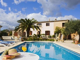 4 bedroom Villa in Cala d'Or, Balearic Islands, Spain : ref 5474423