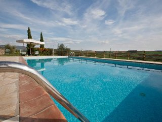 2 bedroom Apartment in Castellina in Chianti, Tuscany, Italy : ref 5474716