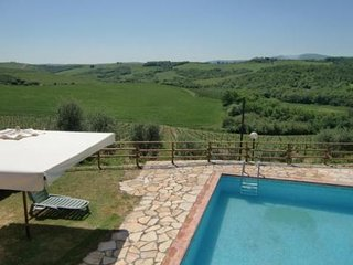 2 bedroom Apartment in Castellina in Chianti, Tuscany, Italy : ref 5474823
