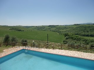 2 bedroom Apartment in Castellina in Chianti, Tuscany, Italy : ref 5474830
