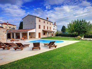 5 bedroom Villa in Golas, Istria, Croatia : ref 5505018