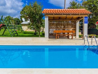 5 bedroom Villa in Lovrinici, Istria, Croatia : ref 5505022