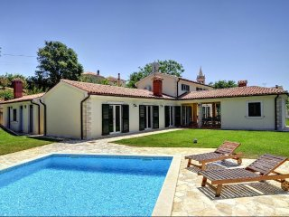 8 bedroom Villa in Liznjan, Istria, Croatia : ref 5505024