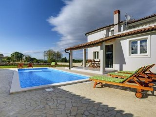 3 bedroom Villa in Mutvoran, Istria, Croatia : ref 5505048