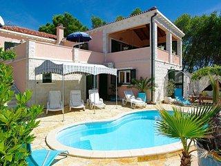 3 bedroom Villa in Potirna, Dubrovačko-Neretvanska Županija, Croatia : ref 55054