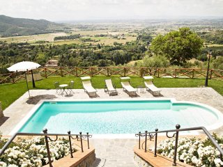 2 bedroom Villa in Metelliano, Tuscany, Italy : ref 5505616