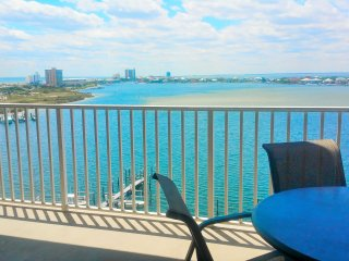 Budget friendly 2br in the heart of Pensacola Beach..