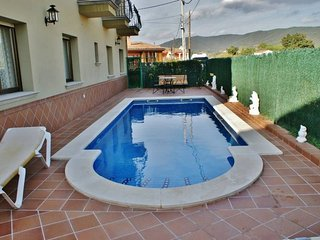 Preciosa casa con piscina privada y barbacoa