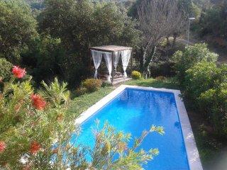 Preciosa casa co vistas a Les Gavarres, preciosa piscina muy privada, Calonge