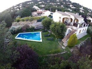 Preciosa casa co vistas a Les Gavarres, preciosa piscina muy privada