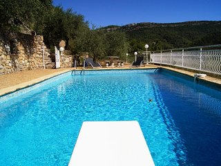 Villa with large pool in Provence - near the sea - calm - beautiful views