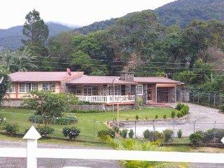 Villa Parabolica