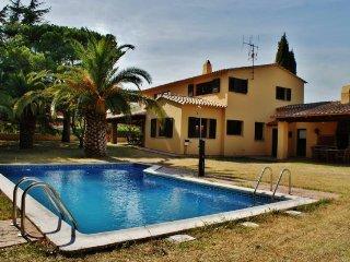 Gran casa de calidad con jardin y piscina privado