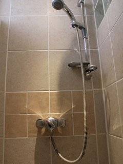 ..... and separate shower cubicle