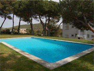Precioso piso con piscina comunitaria y vistas al mar