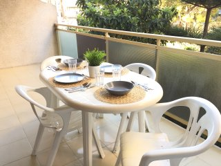 S13 CENTRAL APARTMENT WIFI + SWIMMING POOL, Salou