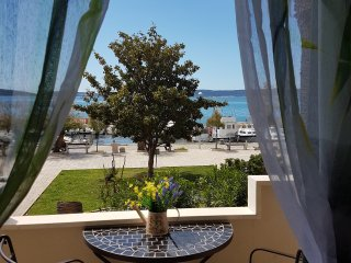 Apartment Dujic, near the sea, 4+2, Kastela , Kastel Kambelovac