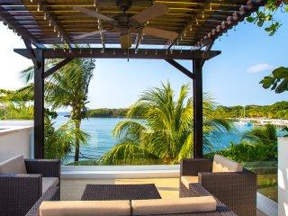 Bella Luna Beach House 3 Bedroom