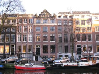 Luxury Penthouse on the Herengracht Canal, Prime In-Town Location