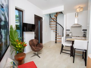Bella Luna Beach House 1 Bedroom two story tower