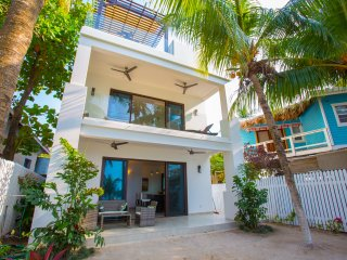 Bella Luna Beach House 1 Bedroom ground floor, West End