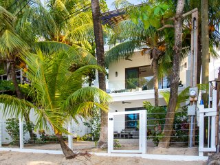 Bella Luna Beach House 3 Bedroom