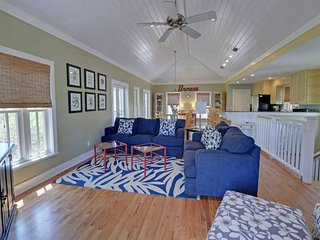 Relaxing 3Bed 3.5Bath near SEASIDE, FL 4 min walk to beach from $115/night