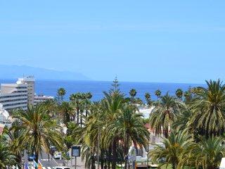 Ocean View Playa de las Americas Costa Adeje,WIFI, POOL, 5 minutes to the beach