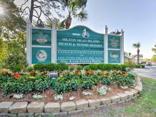 Hilton Head Resort Condo w/ Pool - Walk to Beach!