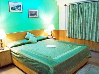 Comfortable room with a stunning view, 2 km from Mall Road
