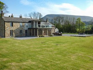 WILKINSON FOLD, games room, woodburners, countryside getaway, Clitheroe, Ref, Downham