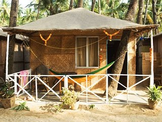 Well-appointed rustic hut for a couple, on Palolem Beach